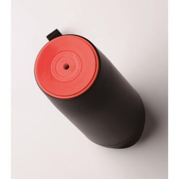 マグボトル横から押しても倒れない秘密はこの吸盤